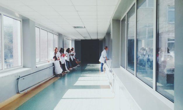 VVD en bbA  bezorgd over afname capaciteit verpleegtehuizen